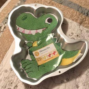 Wilton dinosaur cake pan